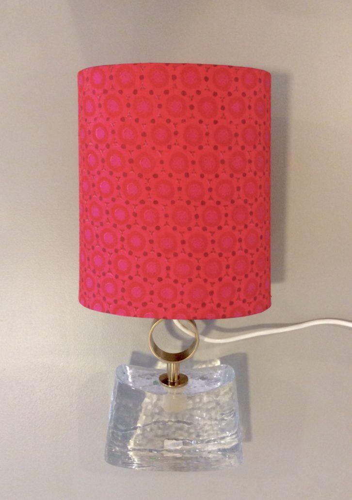 tischlampe mit glasfuss my cms. Black Bedroom Furniture Sets. Home Design Ideas