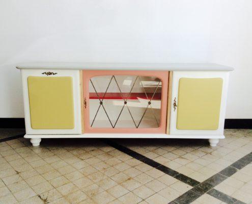 sideboard mit barteil und vitrine archive my cms. Black Bedroom Furniture Sets. Home Design Ideas